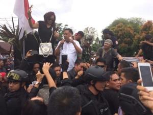 demo fahri hamzah di manado