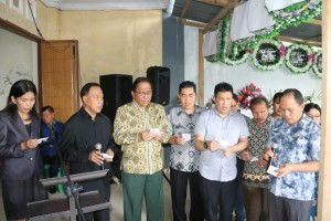 Jajaran Pemkot Tomohon saat Ibadah Pemakaman istri mantan Bupati Minahasa