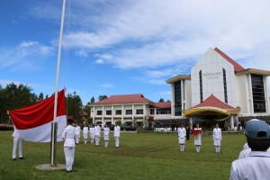 Upacara Peringatan Hardiknas 2017 di halaman Kantor Wali Kota Tomohon