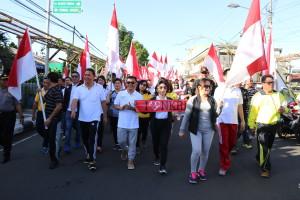 Aksi turun ke jalan mendukung keutuhan NKRI di Kota Tomohon