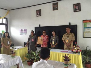 Senator SBAN Liow Buka Naskah di USBN SD GMIM V Tomohon