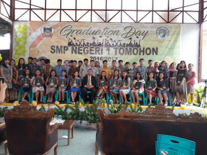 Siswa-siswa kelas 9 SMPN 1 Tomohon yang baru tamat