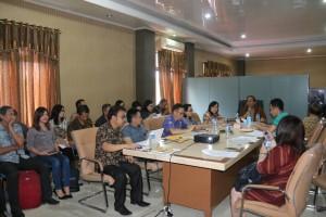 Peserta rapat di ruang Sekretaris Daerah