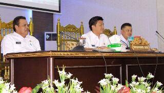 Sekkot Bitung Drs Audy Pangemanan AP MSi, saat membuka sosialisasi pemanfaatan aplikasi siMAYA di BPU Kantor Walikota Bitung