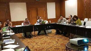 Walikota Bitung Maximilan Jonas Lomban, saat mempresentasikan Program Adipura kota Biutung di The Sultan Hotel Gatot Subroto Jakarta Pusat, Rabu (7/6/2017)