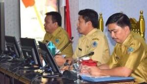 Sekkot Bitung Audy Pangemanan (tengah)