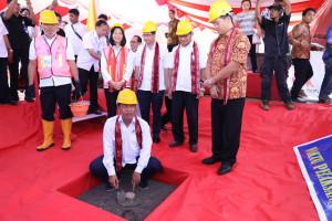 Dampingi Wagub Sulut, Menristekdikti Groundbreaking Gedung Fakultas Unsrat Manado