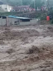 Banjir Bandang,Desa Tambelang, hutan lindung Konarom
