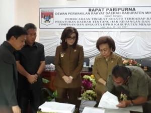 DPRD Minsel Gelar Paripurna Tingkat Kesatu Ranperda Hak Keuangan dan Adminstrasi Pimpinan dan Anggota DPRD3