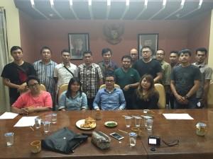 Senator SBAN Liow dengan insan pers di Manado