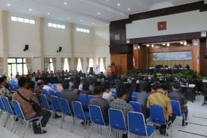Rapat Paripurna Persetujuan Ranperda Pelaksanaan APBD 2016 menjadi Perda