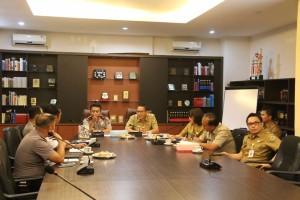 Wali Kota Tomohon Jimmy F Eman SE Ak saat mempresentasikan agenda TIFF kepada Kapolda Sulut