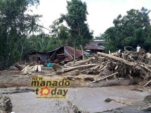 banjir Bandang ,Desa Tambelang Maesaan,banjir Tambelang