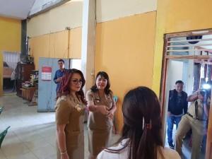 SAS saat melakukan Sidak di Kelurahan Matani Satu Kecamatan Tomohon Tengah