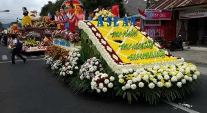 Float ASEAN yang meraih The Best Cultur