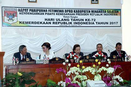 Bupati dan Wakil Bupati saat menghadiri Paripurna mendengarkan pidato Presiden