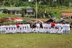 Michael Waworuntu,Billy Lombok, Kumelembuai