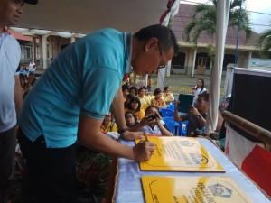 Wali Kota Tomohon mencanangkan Kampung KB