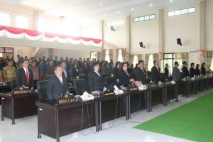 Wenur Pimpin Rapat Paripurna Istimewa DPRD Tomohon Mendengarkan Pidato Kenegaraan Presiden RI