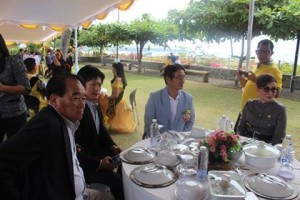 Investor Jepang , Investor Cina,  Louis Pakaila ,Managing Director PT Triusaha Mulia Bersama, Kilang Minyak