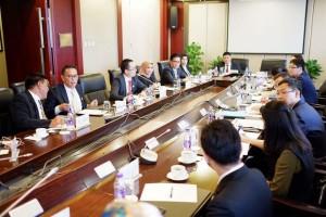 Delegadi Indoneia saat bertemu Delegasi Cina. Tampak Wali Kota Tomohon berada di Delegasi Indonesia