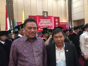 Olly Hadiri Acara Penganugerahan Gelar Doktor HC kepada Megawati di Padang