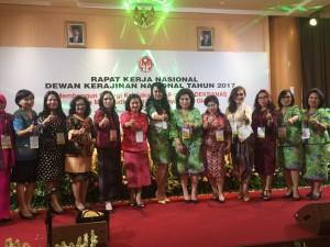 Industri Kerajinan Sulut Dipreaentasikan Ibu Rita di Rakernas Dekranasda