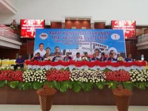 Gubernur dan Ketua BPMS GMIM bersama pimpinan P/KB Sinode GMIM di Konsultasi Tahunan