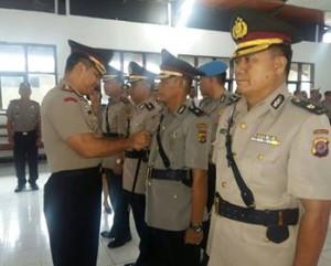 Kabg Ops , Polres Minahasa,Kompol Achmad Soetrisno , Kompol Demitrius Lariwu
