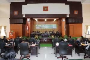 Rapat Paripurna dipimpin Ketua DPRD Kota Tomohon Ir Miky JL Wenur