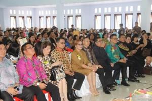 Wakil Wali Kota Tomohon bersama jajaran di Pisah Sabut Ketua BPMJ GMIM Kakaskasen Baitel