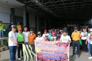 Wali Kota Tomohon melepas peserta jalan sore