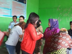 Prof Dr Ir Darmayanti Lubis usai menyerap aspirasi di Lapas Perempuan Kolongan Tomohon