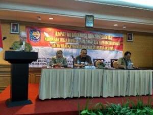 Asisten I Sulut Jhon Palandung, ketika membacakan sambutan Gubernur Olly Dondokambey sekaligus membuka Rapat Koordinasi dan Sinergitas Hubungan Antar Lembaga Pemerintah dan Pemerintah Daerah Dalam Rangka Peningkatan Kewaspadaan Nasional yang dilaksanakan di Manado