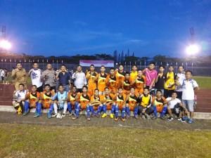 Tim Sepak Bola Tomohon usai mengalahkan Bolmong 2-0