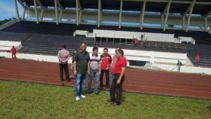 Bupati Minahasa Tinjau Kerja Bakti di Stadion Maesa Tondano