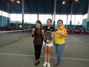 Tomohon Raih Emas Pertama dari Cabang Tenis Lapangan