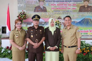 Wali kota, wakil wali kota bersama Kajari Tomohon dan istri