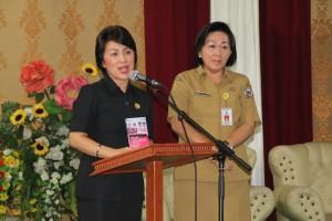 Ketua KONI Ir Miky JL Wenur dan Ketua Kontingen Porprov 2017 Kota Tomohon Dr Juliana Dolvin Karwur MKes MSi