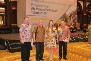 Wakil Wali Kota Tomohon Syerly Adelyn Sompotan bersama Jajaran PDAM Tomohon