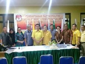 Dipimpin Tonny Lasut, Partai Golkar Resmi Mendaftar di KPU Mitra