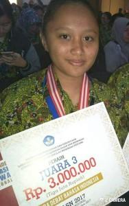 Wulan Tombokan, siswa SMPN 1 Tomohon  Juara 3 OLSN