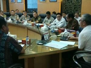 Wali Kota Tomohon bersama Forkopimda menghadiri pembahasan status lahan PT AGL
