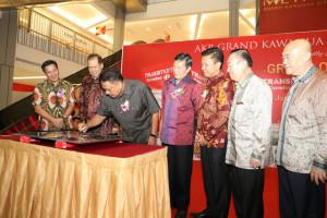 Olly Optimis Hadirnya Gerai Transmart Grand Kawanua Manado Dukung Perekonomian Sulut