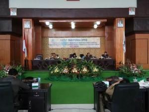 Ketua DPRD Tomohon Ir Miky JL Wenur saat memimpin Rapat Paripurna