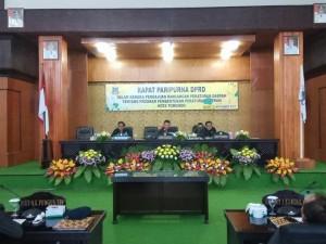 Wakil Ketua DPRD Tomohon Youddy YY Moningka SIP memimpin Rapat Paripurna