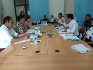Kadis Perhubungan Steven Waworuntu SSTP memberikan penjelasan kepada Komisi II DPRD Tomohon