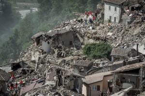 Gempa Bumi ,  Rotasi Bumi , Roger Bilham