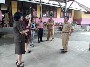 Kunjungan Komisi III ke sekolah-sekolah jauh dari pusat kota