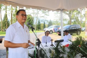Wali Kota Tomohon saat memberikan sambutan